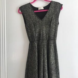 Everly Black & Gold Flared Party Dress size small